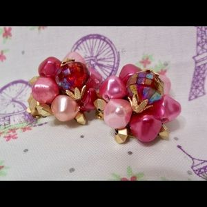 Jewelry - Vintage 60's Cluster Clip On Earrings